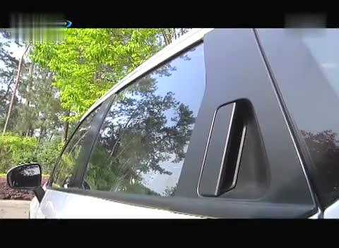 试驾华晨中华V3 后生可畏-成都车展上市 中华V3智能型售7.77万起高清图片
