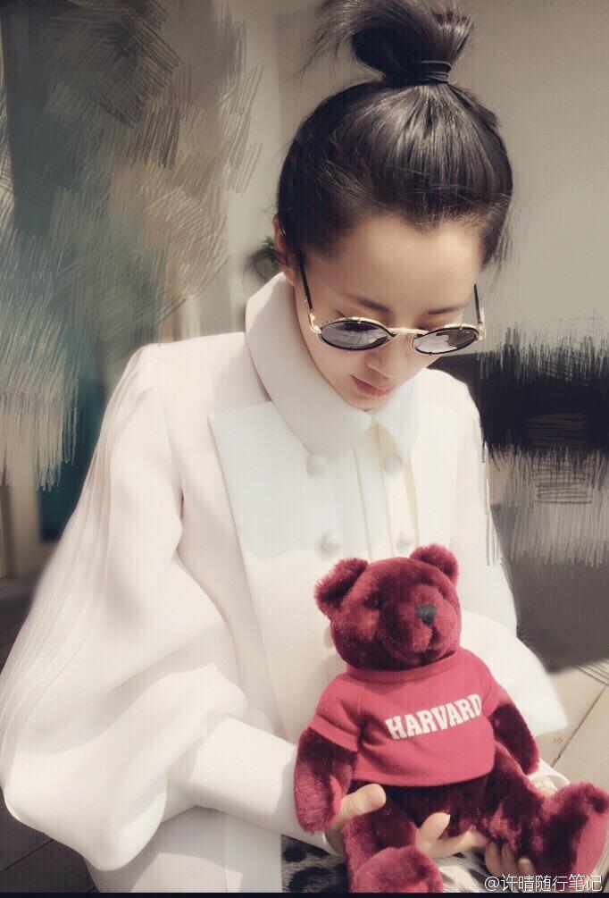 我想操许晴_女生节将至,不少网友调侃许晴少女妈咪,也是为女神操碎了心.