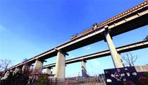 青荣城际娄山特大桥架梁连通 10月或全线贯通