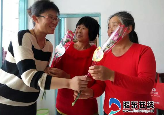 最美丽的照片以及配上最想说的话,微信平台会为员工送上母亲节红包.
