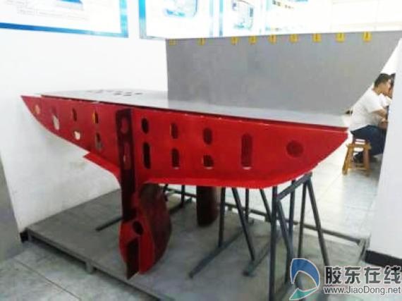 烟职船舶工程系学生设计造出船体结构分段(图)
