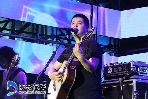 南山南 原唱马頔助阵狼烟音乐节 大悦城店庆嗨翻天