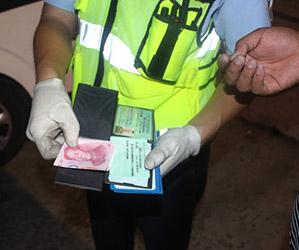 小货车超载被查驾驶员贿赂民警 被依法严厉处罚