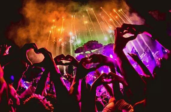 宇宙级电音聚会 比利时tomorrowland让你白天跳到黑夜