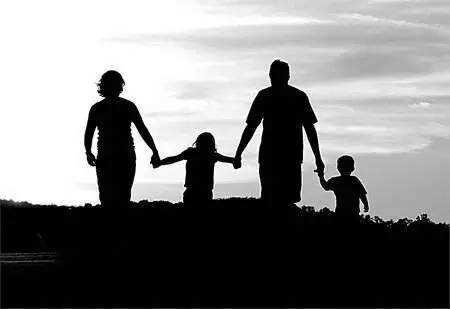 谨慎和孩子做朋友 否则受害的还是孩子