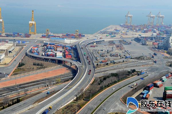 《海铁联运》单位:中铁渤海轮渡公司 摄影:冯守权