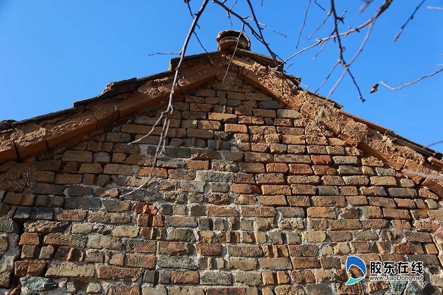 高清:蓬莱乡村果园看护房现汉代花纹条砖