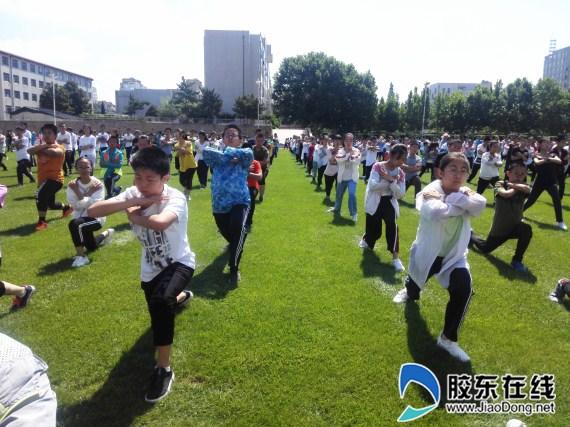 文峰中学多彩大课间活动燃激情 (3)_副本