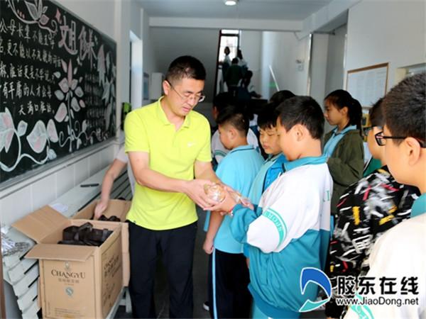 长岛第一实校开展中秋节拥军孝老献爱心活动2