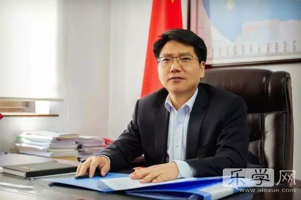 山东省教育厅厅长邓云锋:教师是教育发展的第一资源