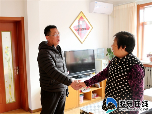 长岛县第一实验学校走访老党员活动