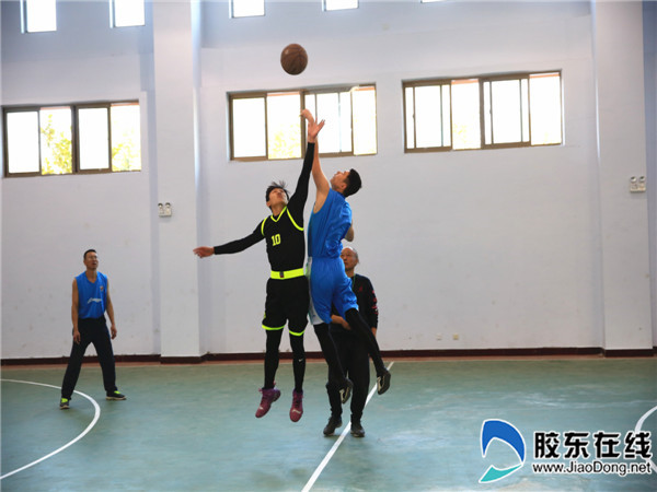 龙口一中再次蝉联龙口市教职工篮球赛冠军_副本