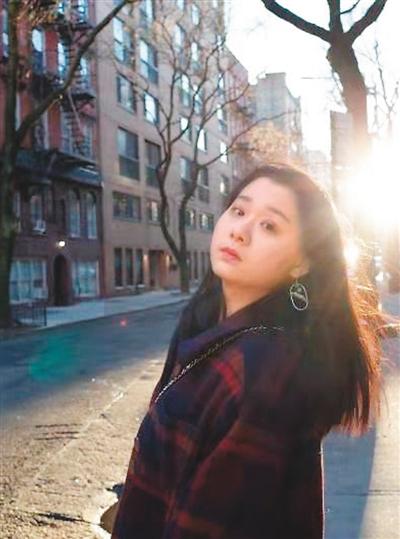 蔡钰在纽约留影