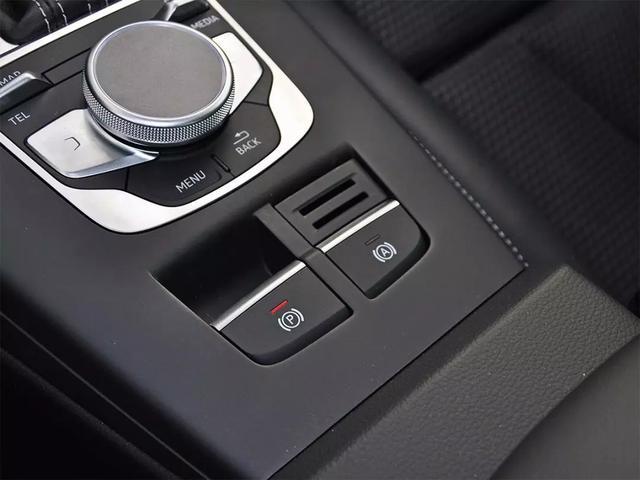 老司机总结 自动挡停车的正确方法