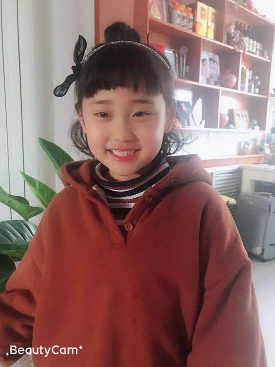 年历小明星梁敬涵3