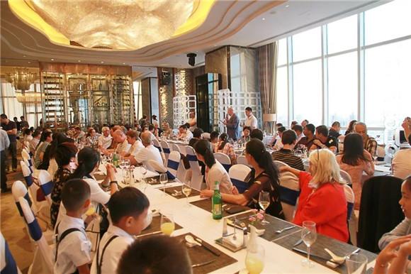 萬達文華酒店 | 外國人在煙臺―因愛戀共歡聚