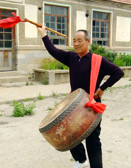 八卦鼓舞省级传承人林振全在习练八卦鼓舞摄影者:李玉光