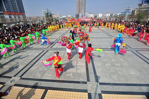 33海阳大秧歌-跑大场1 于国光摄