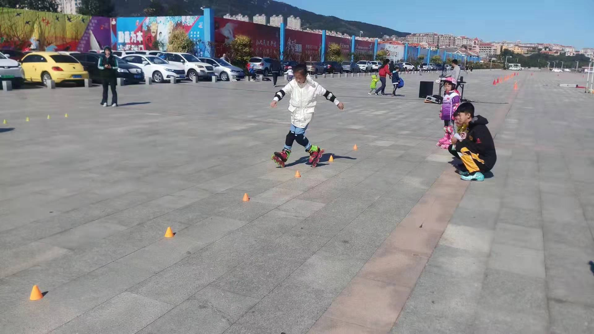 烟台市第五届轮滑锦标赛圆满举行