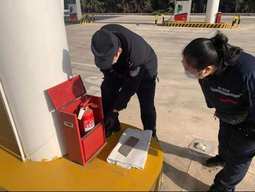 解宋营海岸派出所深入辖区开展加油站安全检查工作327