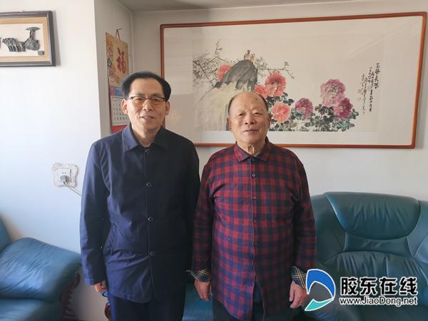 作者与父亲的老领导原西由基建队第二任队长孙象栋。